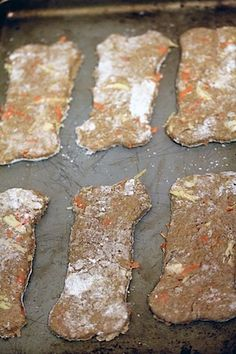 Want to make your pup homemade dog treats with fresh ingredients? These Chicken Dog Treats are easy to make with whole ingredients. Your dog will love them! Dog Treat Recipes, Dog Food Recipes, Cooking Recipes, Homemade Dog Treats, Healthy Dog Treats, Dog Biscuits, Cookies Et Biscuits, Dog Cookies, Chicken For Dogs