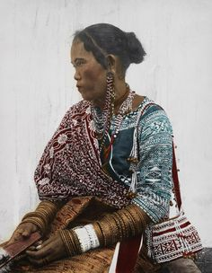A portrait of a Bagabo woman (Davao, Mindanao, Philippines. 1910's)