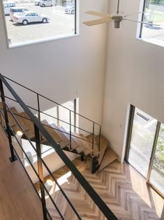 ストレート階段下3段廻り | 株式会社ロブスクエア Steel Stairs, Loft Stairs, House Stairs, Loft House, Staircase Design, Stairways, Home Interior Design, Diy Home Decor, House Plans