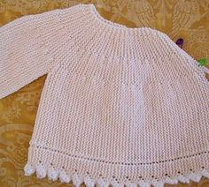 Free knitting pattern for prem - Salvabrani Baby Girl Cardigans, Knit Baby Sweaters, Baby Cardigan, Girls Sweaters, Spool Knitting, Free Knitting, Baby Knitting Patterns, Ropa Free People, Tricot Baby