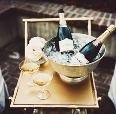 Champagne for two, please!