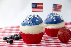 Berries & Cream Patriotic Cupcakes - perfect for Memorial Day, 4th of July, or summer events! (snappygourmet.com)