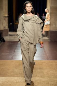 It is difficult to fuse the concepts of luxe and youth into a collection, but I believe Christophe Lemaire had successfully done so for Hermès Autumn Winter 2014.