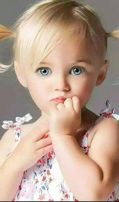 Yeux Magnifiques, Beaux Bébés, Beaux Visages, Enfants Mignons, Bébés  Mignons, Jolies 6dde1129c2c