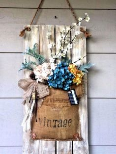 Vintage Home Hanging Vintage Porch Decor Ideas. -vintage use plain burlap. - Vintage porch decor ideas can help you breathe a new life into your home's exterior. Get inspired by the best designs! Vintage Crafts, Vintage Home Decor, Rustic Decor, Farmhouse Decor, Vintage Furniture, Farmhouse Style, Vintage Diy, Vintage Ideas, Burlap Wall Decor