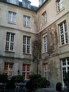 Cour Intérieure Auberge de jeunesse MIJE Paris Marais
