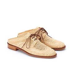 Jaly Mules Raffia Lace Making, Cotton Lace, African Art, Lace Up Shoes, Shoes Online, Hand Weaving, Slippers, Leather, Fashion