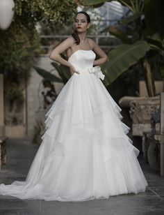 Mysecret Sposa Collezione Zaffiro Cod. 17121  #mysecretsposa #sposa #collezionesposa #abitidasposa #wedding #weddingdress #bride #abitobianco