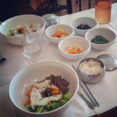✖✖✖ Gin Go Gae ✖✖✖ Avec un menu à 12,50 euros le midi qui comprend des raviolis grillés et un bibimbap / 28 rue Lamartine 75009 M° Cadet, Notre-Dame-de-Lorette, Le Pelletier
