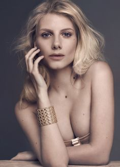 Melanie Laurent is a talented artist and very popular among fans. Melanie Laurent photo gallery with amazing pictures and wallpapers collection. Melanie Laurent, Inglourious Basterds, Beautiful Female Celebrities, Beautiful Women, Beautiful People, French People, French Actress, French Girls, Famous Women