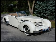1981 Cadillac Cord 810 Roadster Replica for sale by Mecum Auction Gas Pumps, Collector Cars, Automatic Transmission, Cadillac, Luxury Cars, Cool Cars, Convertible, Antique Cars, Classic Cars