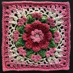 Crochet Granny Square Blankets Ravelry: Project Gallery for The Darling Dahlia Square pattern by Jen Tyler - Point Granny Au Crochet, Crochet Squares Afghan, Crochet Motifs, Granny Square Crochet Pattern, Crochet Flower Patterns, Afghan Crochet Patterns, Crochet Designs, Crochet Flowers, Crochet Blocks