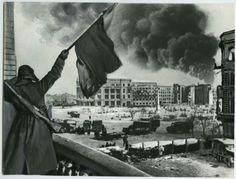 Flag of the Victory in Stalingrad. Photo Credit: Russiainphoto.ru / Georgi Zelma