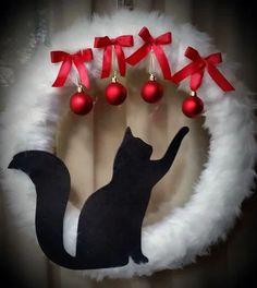 Christmas Wreaths To Make, Christmas Cats, Holiday Wreaths, Christmas Decorations, Cat Christmas Ornaments, Winter Wreaths, Spring Wreaths, Winter Christmas, Christmas Trees