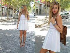 Amy Ramírez - H&M Dress, Marypaz Sandals, Marypaz Rucksack - Fringes and lace