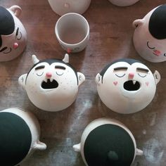 Drooling vampires by Mari Garnica ceramics via Ceramic Clay, Ceramic Painting, Ceramic Pottery, Pottery Art, Slab Pottery, Pottery Studio, Ceramic Bowls, Polymer Clay Crafts, Diy Clay