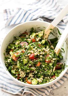 This Israeli Couscous Salad is fabulously addictive! Tender, flavour infused beads of couscous tossed with spinach, tomato, cucumber, herbs and a fresh lem Pearl Couscous Recipes, Pearl Couscous Salad, Israeli Couscous Salad, Couscous Salad Recipes, Chicken Salad Recipes, Healthy Chicken, Coucous Salad, Recipetin Eats, How To Cook Quinoa