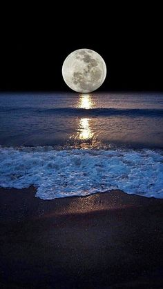 Shoreline and the moon. Moonlight and Night Sea View Shoot The Moon, Moon Photography, Moonlight Photography, Landscape Photography, Beautiful Moon, Beautiful Places, Jolie Photo, Moon Art, Moon Moon