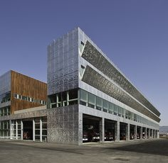 Firemen House  / Coll-Barreu Arquitectos