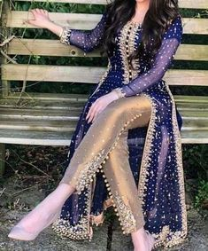 new pakistani dresses Shadi Dresses, Pakistani Formal Dresses, Pakistani Wedding Outfits, Pakistani Dress Design, Eid Dresses, Indian Designer Outfits, Indian Outfits, Designer Dresses, Stylish Dresses