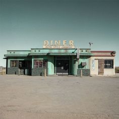 Jack Billek thinks that this is how the diner that Taylor got Turtle at looks like. It is also in the middle of no where, which is where the diner in the book was. Tumblr Feed, Usa Tumblr, Ed Freeman, Drive In, The Last Summer, American Diner, Sweet Home, Abandoned Places, Abandoned Buildings