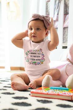 Τα καλά κορίτσια ακούνε τον μπαμπά τους..! Baby Shower Themes, Baby Shower Gifts, She Girl, Daddys Girl, Simple Dresses, Onesies, Infant, Bodysuit, Kids