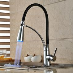 Single Handle LED Kitchen Faucet with Pullout Sprayer Chrome & Black..PERFECTO!!