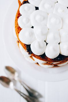 cardamom jostaberry and mascarpone cream naked cake