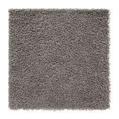 Ce tapis en fibres synthétiques est résistant, anti-tache et facile d'entretien. Le velours haut permet de combiner facilement deux tapis pour en obtenir un plus grand.