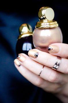 Gold and brown elegant nail art by @sonailicious #nails #gold
