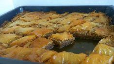 Κουμιωτικος Μπακλαβάς Greek Sweets, Spanakopita, Pork, Chicken, Meat, Ethnic Recipes, Desserts, Kale Stir Fry, Tailgate Desserts