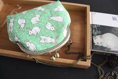 Once upon a time grün Kaninchen Vintage-Stil handgefertigte Clutch PurpleFishBowl2 auf Etsy