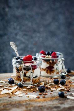 Yogurt with Granola and Fresh Berries   Foodlicious: Breakfast