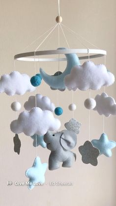 Elephant Baby Rooms, Elephant Mobile, Baby Room Diy, Baby Room Decor, Baby Room Ideas Early Years, Baby Room Neutral, Diy Bebe, Baby Boy Nurseries, Baby Cribs