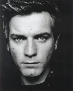 Google Image Result for http://static.tumblr.com/gzeywy0/yg2lwvsup/ewan-mcgregor-kurt-cobain-movie-1-17-07.jpg