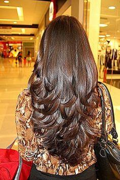 Cortes de cabelo feminino longo em camadas Mais