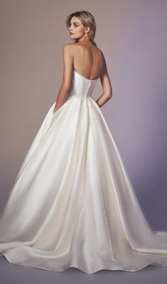 Strapless sweetheart neckline simple ball gown wedding dress with buttons down the back Anne Barge Wedding Dresses, Princess Wedding Dresses, Wedding Dress Styles, Bridal Dresses, Gown Wedding, Strapless Wedding Dresses, Tulle Wedding, Crystal Wedding, Mermaid Wedding