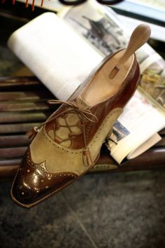 Roberto Ugolini Bespoke Gillie Shoes Trunk Show at Coccinella, Osaka JAPAN December 6th-8th 2013 Visit Our Website: Coccine...