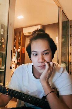 Ideal Boyfriend, Boyfriend Photos, Ugly Duckling Series, Male Models Poses, Cute Boy Photo, Wallpaper Aesthetic, Boy Photography Poses, Thai Drama, Cute Actors
