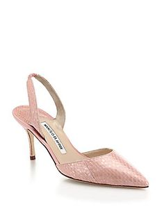 manolo blahnik shoes for women Slingback Shoes, Shoes Heels, Pumps, Walk In My Shoes, Me Too Shoes, Manolo Blahnik Hangisi, Kitten Heel Shoes, Beautiful Heels, Dream Shoes