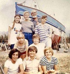 Teen Series, Drama Series, 80s Tv, Cinema, Family Movie Night, Retro Futurism, Old Movies, Vintage Advertisements, Short Film