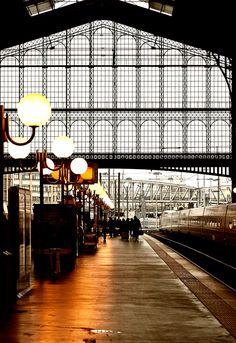 Il y a des jours et des trains. Gare du Nord, Paris. first trip to Paaris by train ... arrived here.