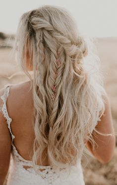 country wedding hairstyles Bohemian Country Wedding in Oakdale California by Feather and North Photography California wedding and engagement photographer Loose Hairstyles, Bride Hairstyles, Braided Bridal Hairstyles, Hairstyle Ideas, Bohemian Hairstyles, Updo Hairstyle, Braided Updo, Country Wedding Hairstyles, Bridal Braids