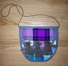 Made for my wee boys class - tartan sporrans for burn night that they could wear around their waist. Burns Night Activities, Burns Night Crafts, Activities For Kids, Winter Crafts For Kids, Winter Kids, Art For Kids, Toddler Crafts, Preschool Crafts, Katie Morag