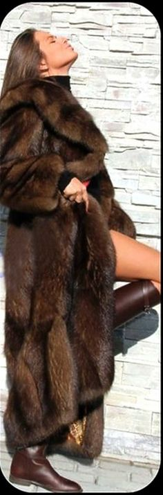 fitting to a lovely, sexy model: let's kiss 😘 . Now this coat will keep you warm. I love sable fur. Fashion Moda, Fur Fashion, Womens Fashion, Sable Fur Coat, Fabulous Furs, Glamour, Winter Wear, Fur Jacket, Style Guides