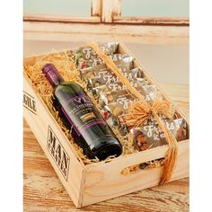 Van Loveren Wine & Nuts Man Crate hamper, the perfect gift for men who love wine and nuts...
