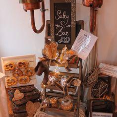 Salty Snacks, Wedding Trends, Wedding Ideas, Snack Bar, Perfect Wedding, Kitchen Decor, Wedding Decorations, Food And Drink, Buffets