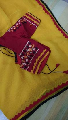 Blouse designs Cotton Saree Blouse, Pattu Saree Blouse Designs, Saree Blouse Patterns, Designer Blouse Patterns, Blouse Neck Designs, Kutch Work Designs, Embroidery Designs, Decoration, Sarees