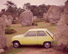 El mítico urbano de la casa francesa marcó una época y fue símbolo de los tiempos de cambio en España, donde fue coche del año en 1972