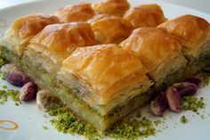 Baklava is a delicious food from Morocco. Learn to cook Baklava and enjoy traditional food recipes from Morocco. Iranian Desserts, Greek Desserts, Köstliche Desserts, Delicious Desserts, Yummy Food, Ramadan Desserts, Greek Baklava, Turkish Baklava, Turkish Recipes